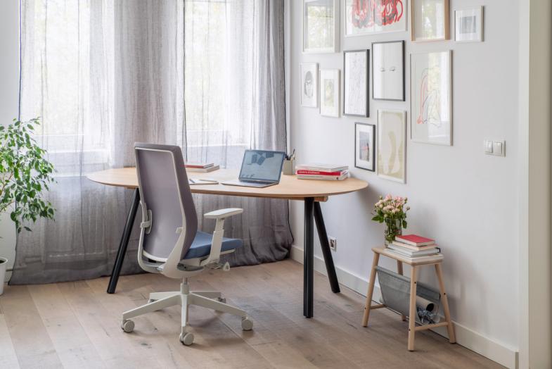 Accis Pro biroja krēsls darba zonā