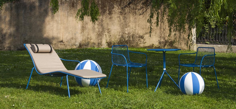 Itāļu dārza krēsls un zvilnis
