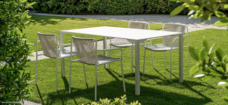Metāla dārza krēsls un galds ar metāla rāmi Tribeca