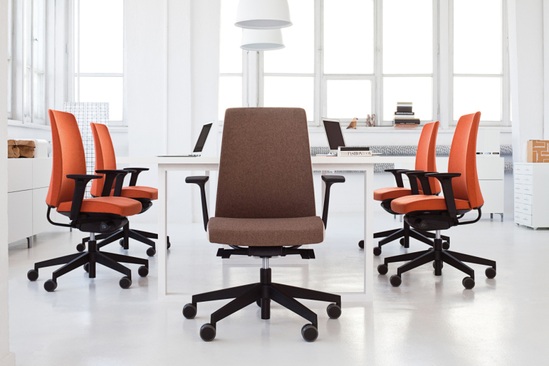 MOTTO ergonomiski darbinieku krēsli
