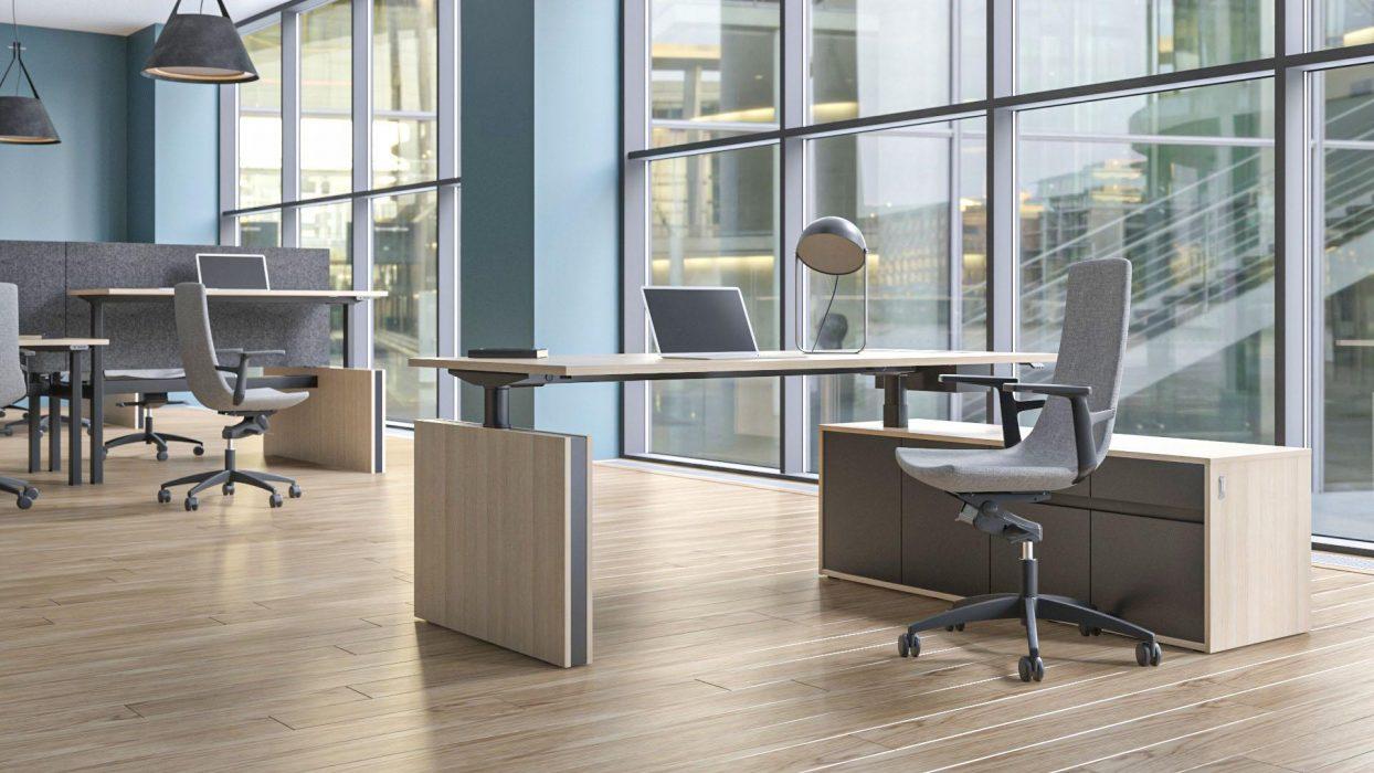 Elektriski augstumā regulējami galdi ir lieliski piemēroti dinamiskam darbam