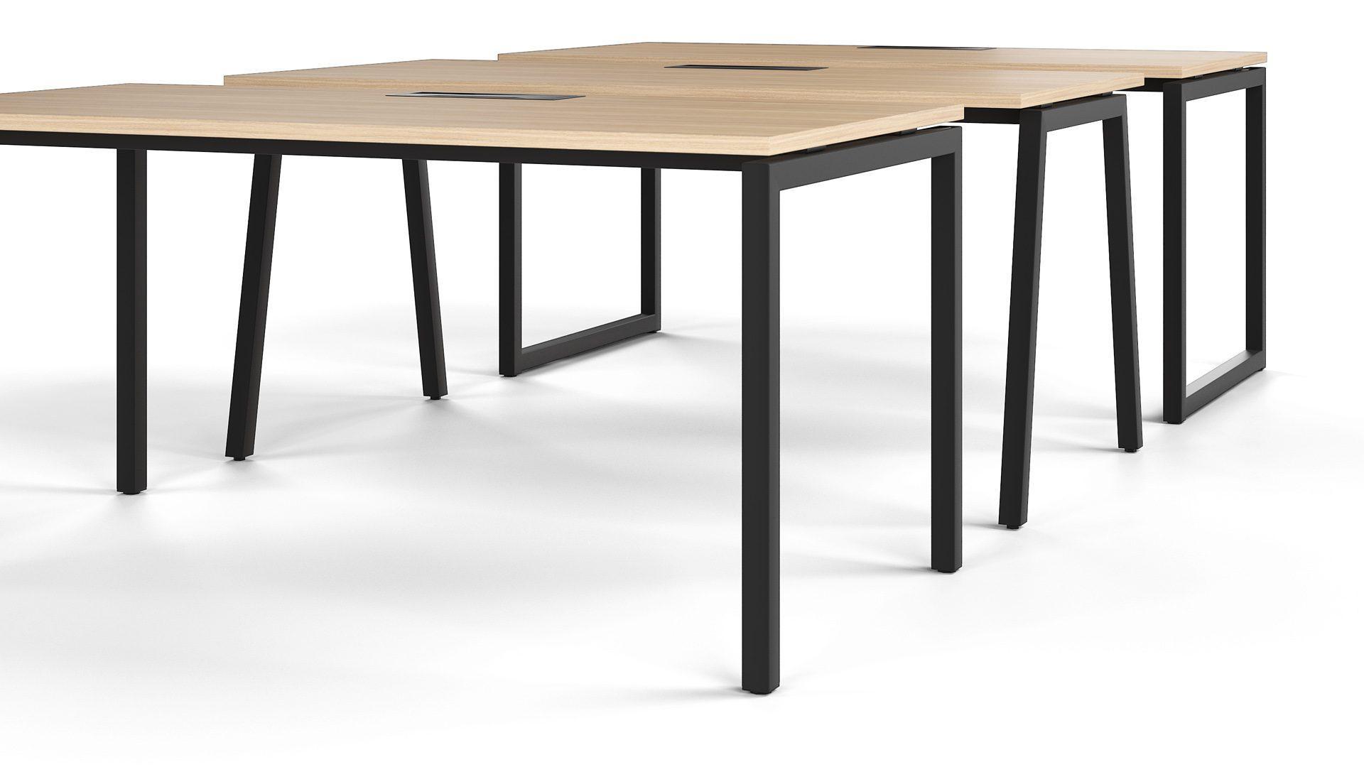 Kā izvēlēties klasisku biroja galdu