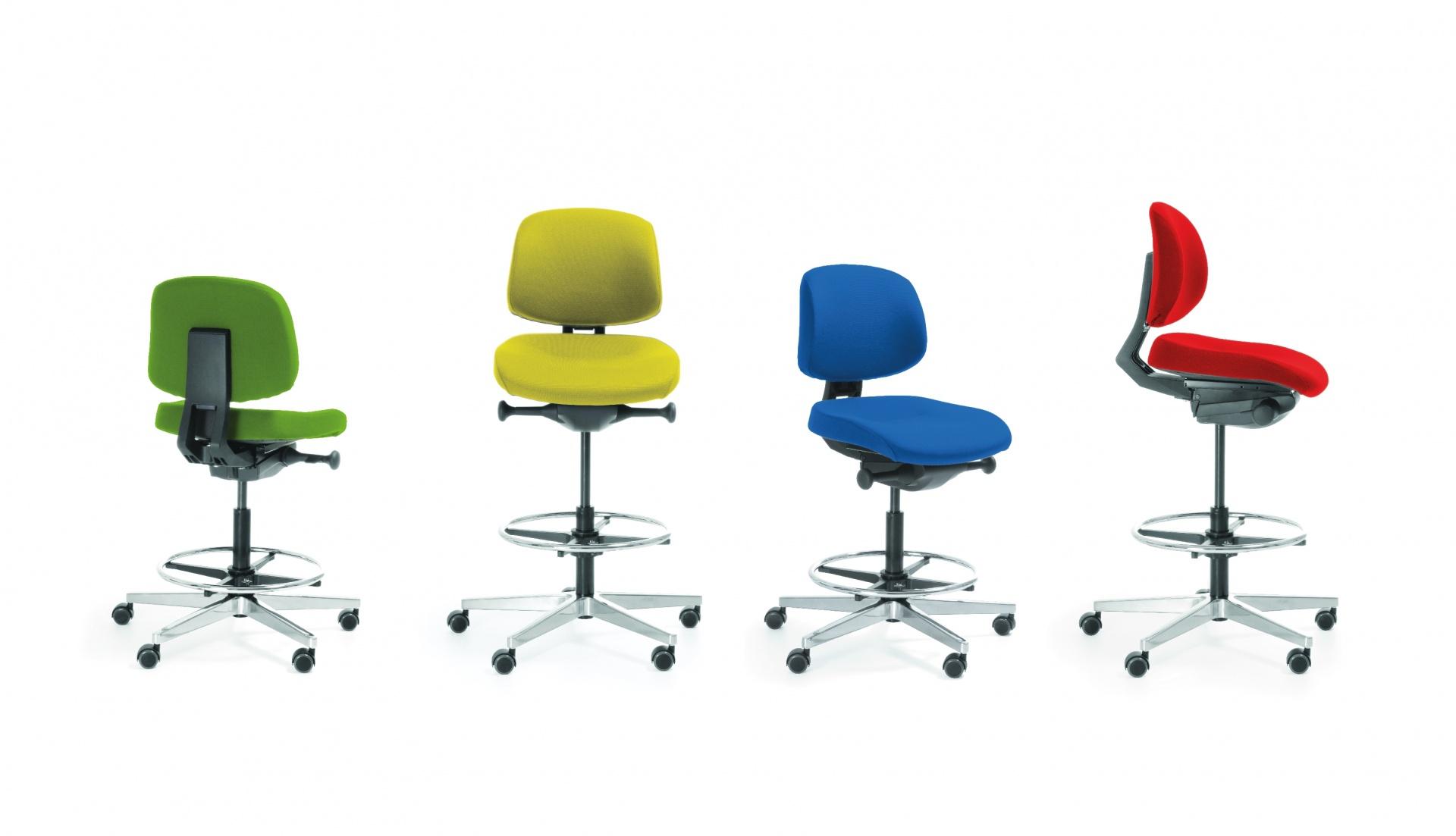 Lift stāvkrēsls dažādās krāsās
