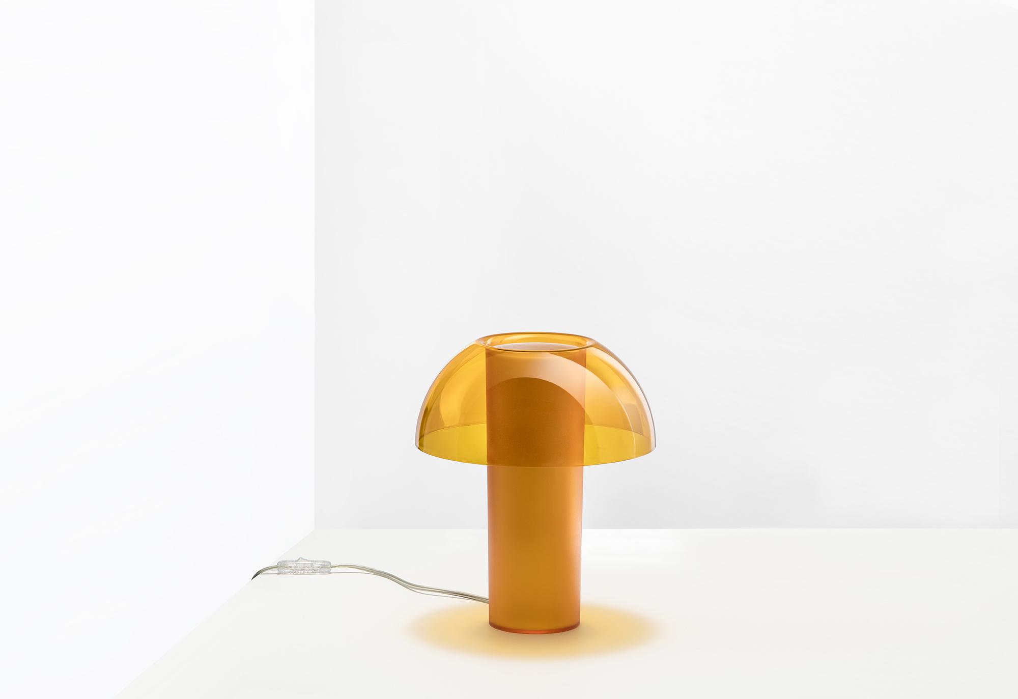 Colette maza izmēra nakts lampa
