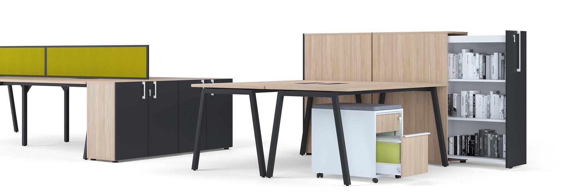 rindu galdu sērija ar a formas kājām