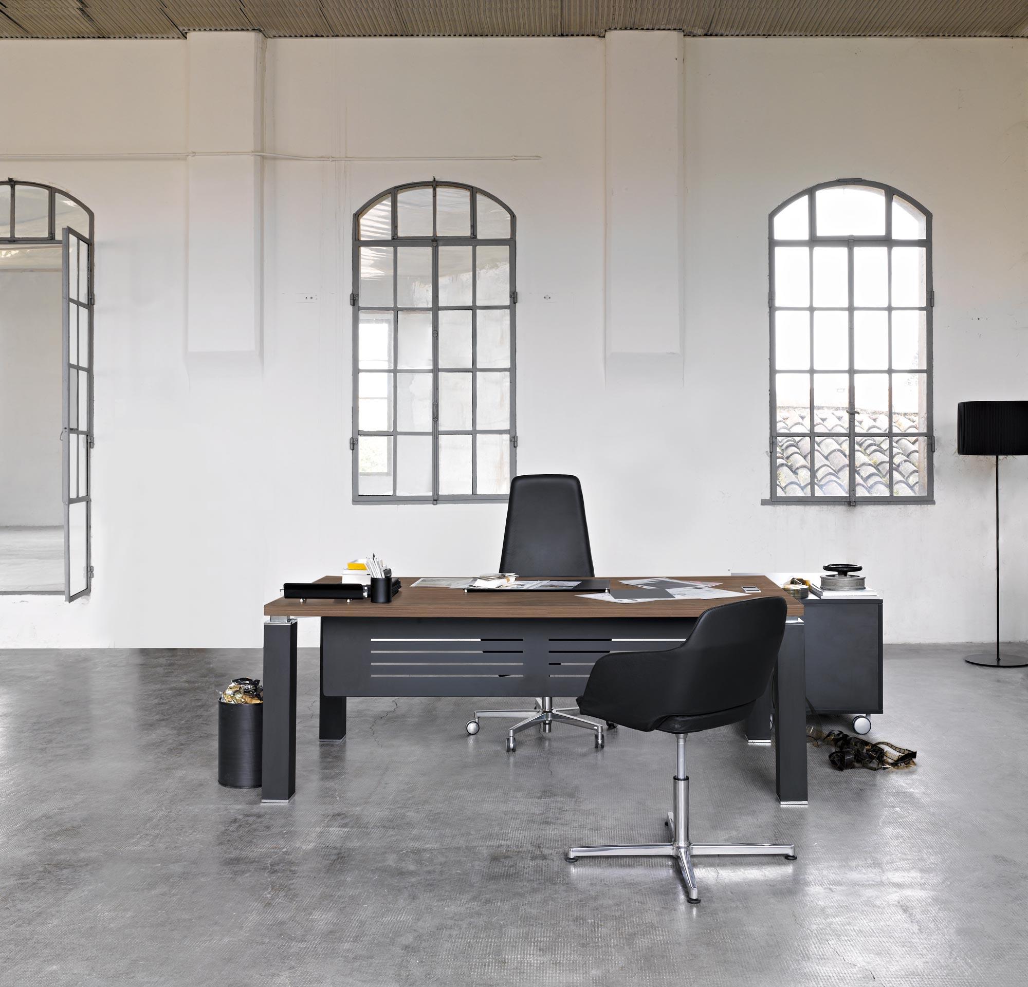 Moderns vadītāja galds Tao ar elegantu, modulāru dizainu