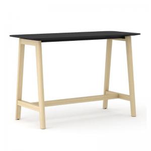 augstais galds ar koka kājām
