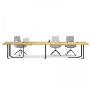 PLANA apspriežu galds