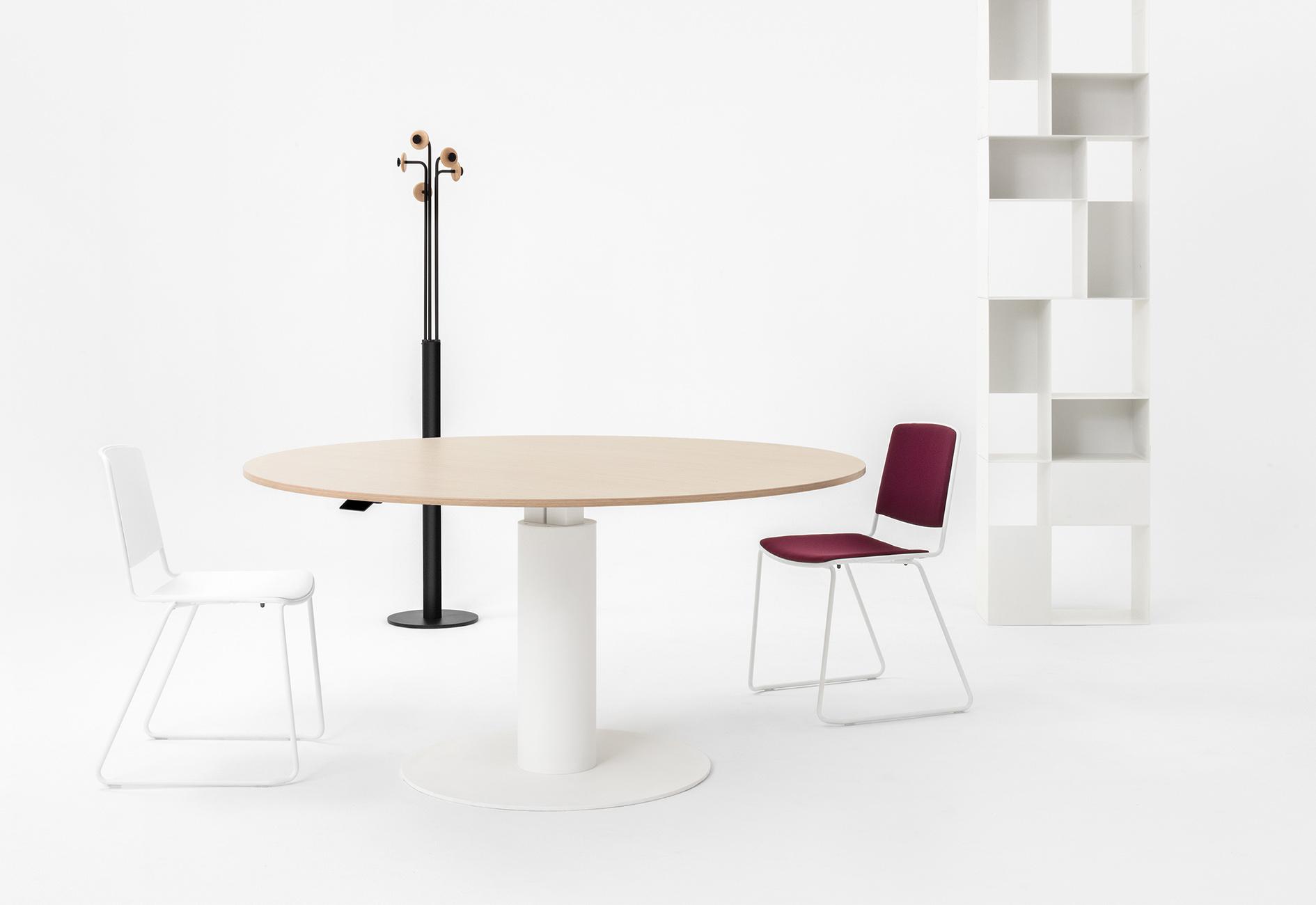 mara follow augstumā regulējams sapulču galds