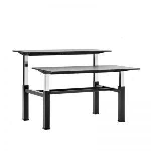 augstumā regulējams galds