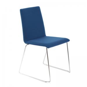 MOON apspriežu un apmeklētāju krēsls